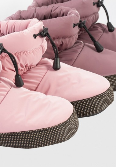 Low cut warm-up booties